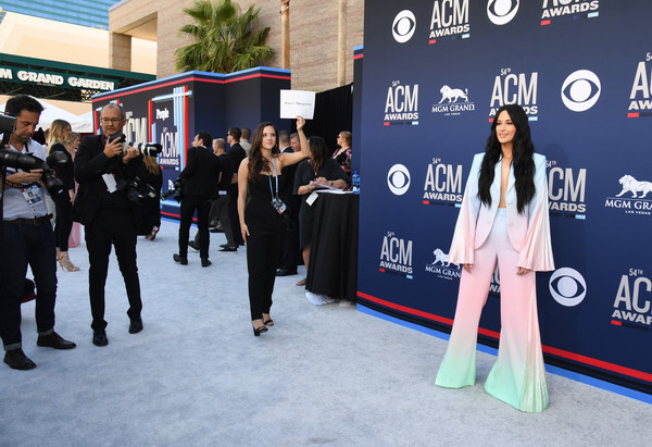 More Pics of Kacey Musgraves Pantsuit (2 of 6) - Suits Lookbook - StyleBistro [fashion,red carpet,event,carpet,flooring,premiere,tourism,leisure,advertising,street fashion,arrivals,kacey musgraves,mgm grand hotel casino,nevada,las vegas,academy of country music awards]