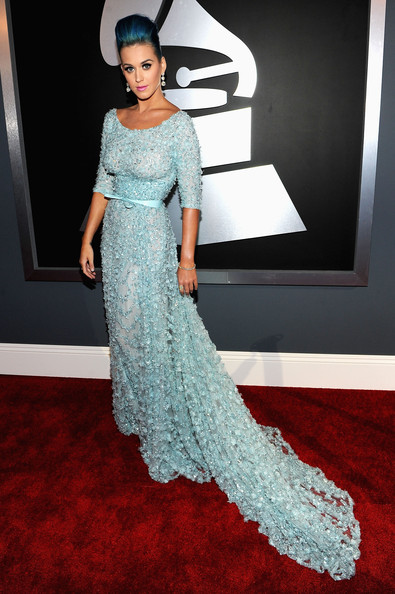 http://www3.pictures.stylebistro.com/gi/54th+Annual+GRAMMY+Awards+Red+Carpet+_hp3vS91il3l.jpg