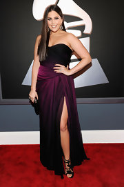Lady Antebellum's Hillary Scott looked breathtaking in this ombre plum Monique Lhuillier gown. We love that she didn't overdo it with excessive jewelry or an intricate udpo. Sleek straight locks and a charming pair of heels were all this dress needed.