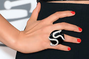 Alicia Keys' snake ring had both a rocker edge and a glamorous feel to it at the 2013 Grammys.