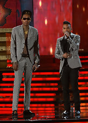 Wiz Khalifa showed his outrageous style at the 2013 Grammys with this black and white zig-zag patterned suit.