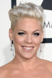 Pink looked uber cool at the Grammys with her wavy undercut.