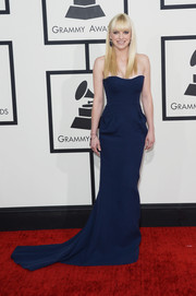 Anna Faris was all about classic elegance at the Grammys in a strapless blue Fitriani gown with a long train.