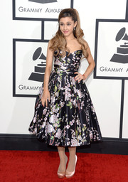 Ariana Grande went for a sweet '50s vibe at the Grammys in a floral fit-and-flare dress by Dolce & Gabbana.