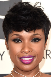 Jennifer Hudson rocked a mussed-up pixie during the Grammys.