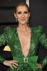 Celine Dion wore a massive emerald ring at the 2017 Grammys.