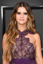 Maren Morris was a boho beauty with her waist-length waves at the 2017 Grammys.
