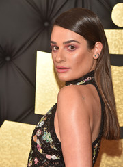 Lea Michele kept it super simple with this straight side-parted style at the Grammys.
