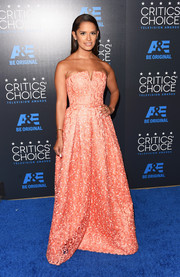 Rocsi Diaz worked a princess vibe in a textured coral strapless gown during the Critics' Choice Television Awards.