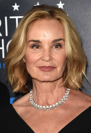 Jessica Lange wore her hair in face-framing waves at the 2015 Critics' Choice Television Awards.