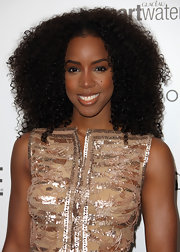 Kelly Rowland attended the 5th Annual 'Essence' Black Women in Hollywood luncheon wearing her hair in shiny natural curls.