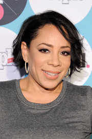 Selenis Leyva sported messy short hair at the People En Espanol Festival.