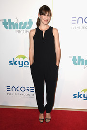 Jennifer Garner was casual-chic at the Thirst Gala in a black Rag & Bone jumpsuit.