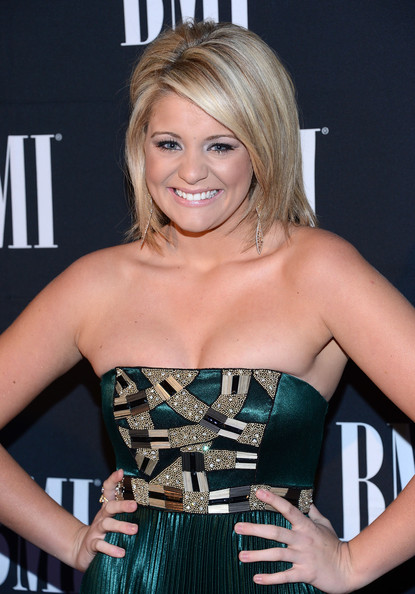 More Pics of Lauren Alaina Short Side Part (1 of 4) - Short Side Part Lookbook - StyleBistro