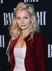 Clare wore her blond hair in a messy cured half-up 'do for the BMI Country Awards.