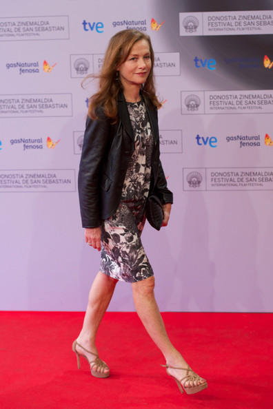 More Pics of Isabelle Huppert Long Wavy Cut (1 of 9) - Isabelle Huppert Lookbook - StyleBistro