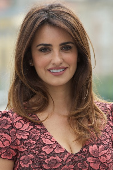 Penelope Cruz's Flattering Layers