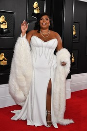 Lizzo channeled Old Hollywood glamour with this strapless white gown by Atelier Versace at the 2020 Grammys.