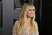 Heidi Klum looked trendy with her long layered cut at the 2020 Grammys.