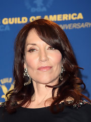 Katey Sagal kept it classic with a curly 'do and side-swept bangs at the Directors Guild of America Awards.