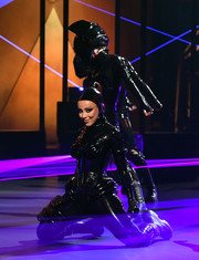 Doja Cat looked like she just stepped out of a sci-fi movie when she wore this black latex jumpsuit at the 2021 Grammys.