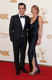 Holly Burrell dazzled at the Emmy Awards in a '20s inspired sapphire gown.