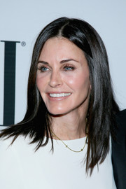 Courtney Cox styled her hair in a medium straight cut to frame her face at the BMI Pop Awards.