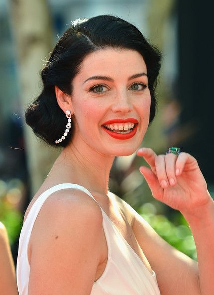 More Pics of Jessica Pare Red Lipstick (3 of 18) - Jessica Pare Lookbook - StyleBistro