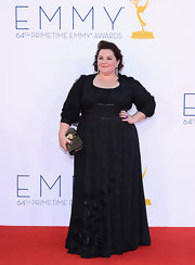 Melissa McCarthy looked ready for the Renaissance Fair in this black long-sleeve gown.