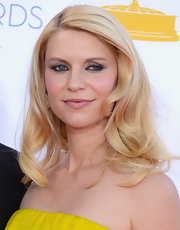Claire Danes radiated effortless beauty at the 2012 Emmy Awards with beautifully curled blonde tresses.
