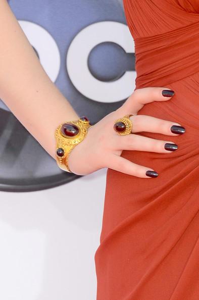 More Pics of Kat Dennings Dark Nail Polish (1 of 24) - Kat Dennings Lookbook - StyleBistro