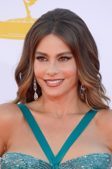 Sofia Vergara's Full Brows and Bronze Lips