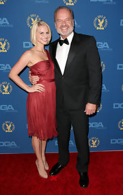 Kelsey Grammer attended the Directors Guild of America Awards wearing an elegant black tux.