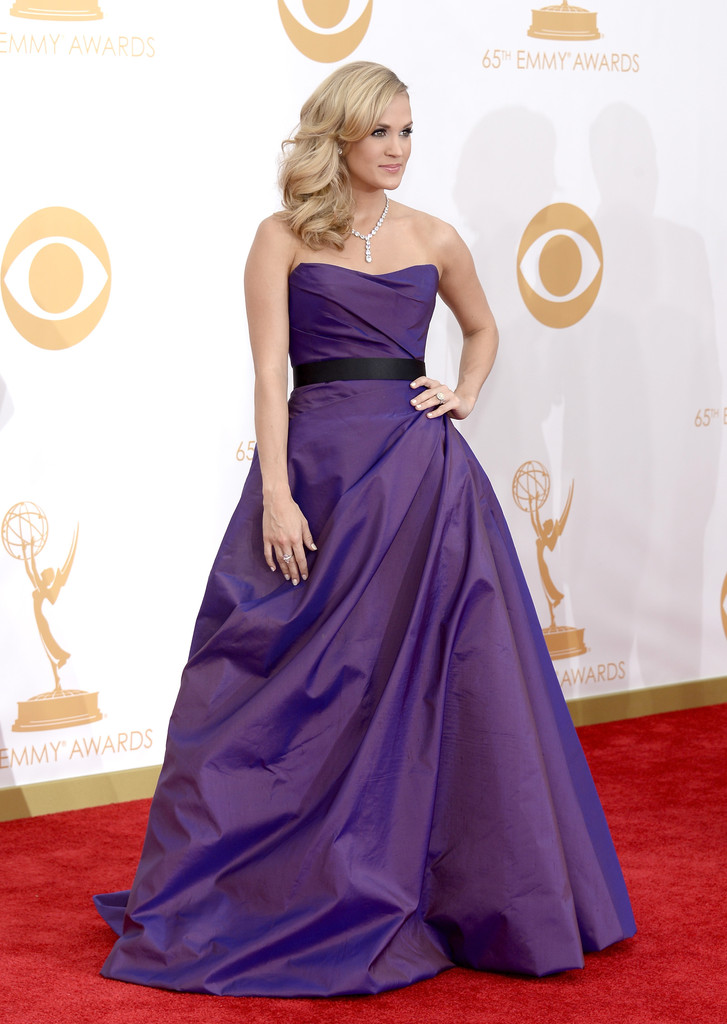 Carrie Underwood in Romona Keveza at the 2013 Emmy Awards