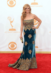 Connie rocked a strapless, velvet gown with a gold pattern that complimented her golden hair.