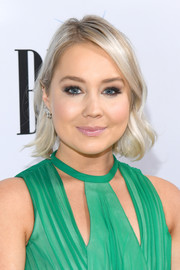 RaeLynn kept it short and sweet with this wavy cut at the 2018 BMI Country Awards.