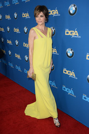 Lisa Rinna looked elegant in a bright yellow dress at the Directors Guild Awards.