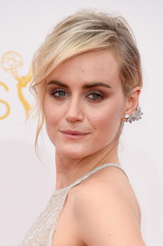 Taylor Schilling attended the Emmys wearing a punk-chic Forevermark ear cuff.