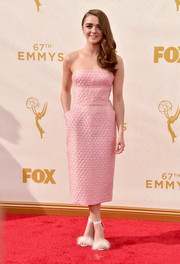 Maisie Williams showed her sweet, girly side in a textured pink strapless dress by Ermanno Scervino during the Emmy Awards.