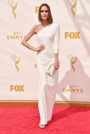 Louise Roe went for minimalist elegance in a white one-shoulder column dress during the Emmy Awards.