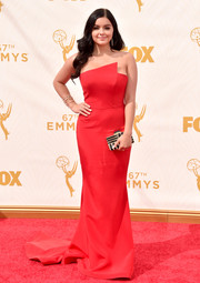 Ariel Winter's red Romona Keveza strapless gown at the Emmys, with its architectural bustline and long train, looked oh-so-elegant in its simplicity.