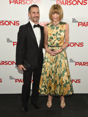 Anna Wintour oozed springtime charm wearing this yellow floral dress at the Parsons Fashion Benefit.