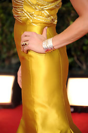 Lara Spencer rocked a gleaming silver cuff at the 2011 Golden Globe Awards.