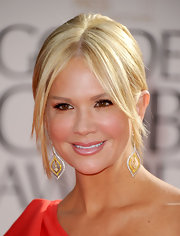 'Entertainment Tonight' host Nancy O'Dell was decked to the nines in tear drop diamond and yellow gold earrings.