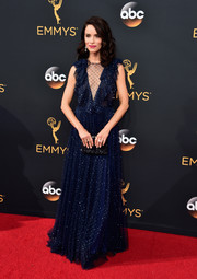 Abigail Spencer brought some star-like sparkle to the Emmys with this beaded navy gown by Jenny Packham.