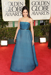 Freida Pinto looked simply elegant in an iridescent teal evening dress for the Golden Globe Awards.