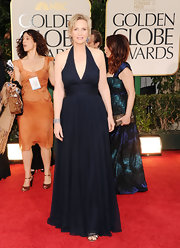 Jane Lynch looked lovely in a navy chiffon halter gown for the Golden Globes.