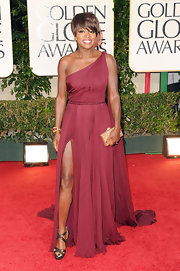 Viola Davis looked fab in a maroon single-shouldered chiffon evening dress at the Golden Globes.