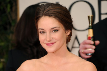 Shailene Woodley Pictures from the Golden Globe Awards