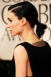 We loved Rooney Mara's short ponytail at the Golden Globes.  Her jet black locks were slicked back with a formal part.